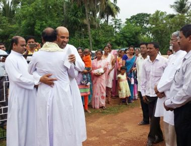 First Parish Priest arrives at the newly built Kandlur Church dedicated to St. Antony