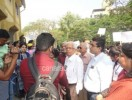 ವ್ಹಿ. ಪಿ. ಎಮ್ ಶಾಲೆಯ ಆವರಣಕ್ಕಾಗಿ ವಿದ್ಯಾರ್ಥಿಗಳಿಂದ ಪಾದಯಾತ್ರೆಯ  ಹೋರಾಟದ ಪ್ರದರ್ಶನ
