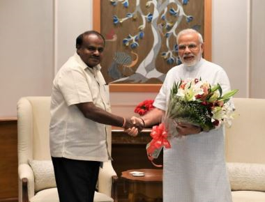 Cauvery row: HDK meets PM, apprises him of situation