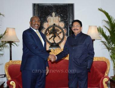Maharashtra Governor meets Ugandan Prime Minister