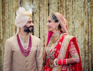 Sonam Kapoor & Anand Ahuja today got married in a traditional Anand Karaj ceremony