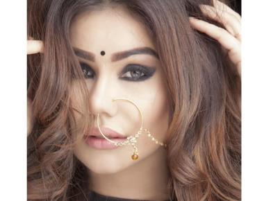 Actress Kangna Sharma reaching new heights