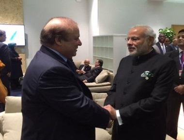 PM Modi meets Sharif on sidelines of Paris climate meet
