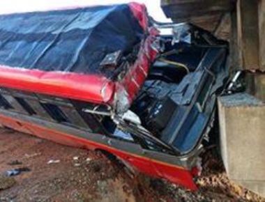 Nine injured as bus hits bridge at Marvanthe