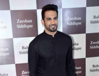 Upen Patel looks dashing at Baba Siddique's Iftar Party