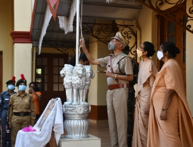 99-year Mangaluru's Chief Traffic Warden (CTW) hoists National Flag on Republic Day at St. Agnes College on Tuesday.