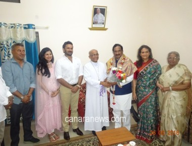 Archbishop blesses and felicitates Minister Shri K.J. George for taking up New Office