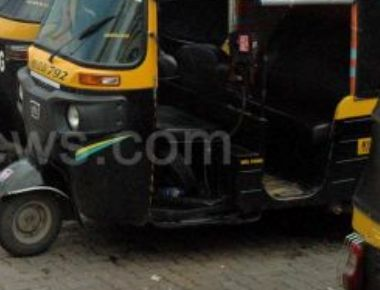Auto driver dies in accident