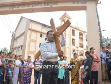 Way of the Cross Draws huge crowd at Bajjodi