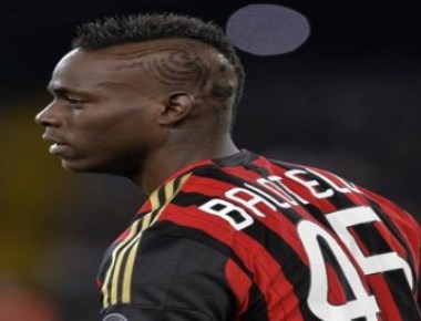 Liverpool striker Balotelli banned from driving for 28 days