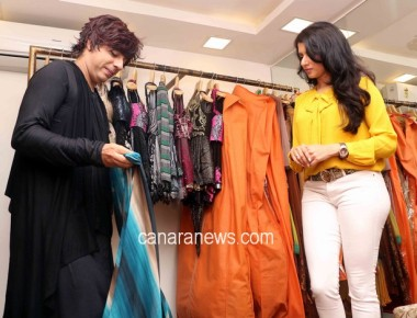 Actress Bhagyashree Praises Rohit Verma's Collections