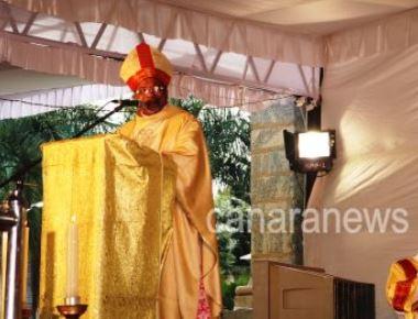 Rev. Dr. Machado Installed Archbishop of Bangalore Archdiocese bids Farewell to Archbishop Moras