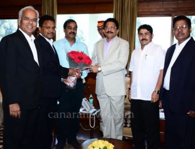 A delegation of Billawa Chamber of Commerce and Industries visited the Governor at the Rajbhavan