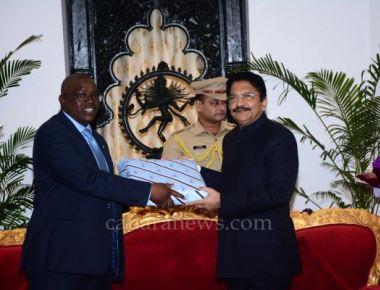 Vice President of Botswana meets Maharashtra Governor