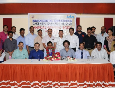Dr Manoj Varma takes over as president of IDA DK