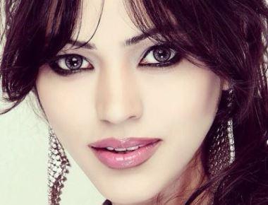 "Actress Devshi Khanduri to play Muslim girl opposite Ruslaan Mumtaaz in the movie ""Khel To Abb Shur Hoga"""