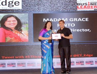 Madam Grace Pinto receives the Inspiring Business Leader Award