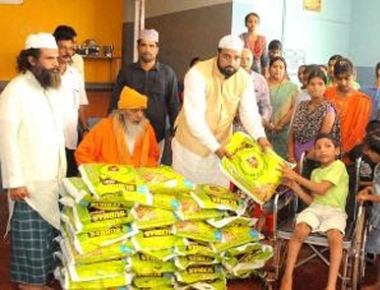 'Ajmer Sharif Dargah' supports endosulfan  victims