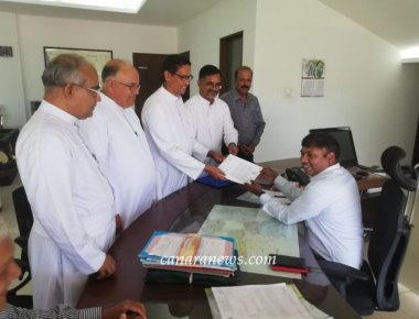 Diocese of Mangalore Submits memorandum to Chief Minister, against the proposal of removing of Good Friday Holiday.