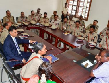 Don't give in to political interference, HDK tells top police officers