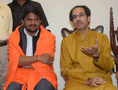 Hardik Patel will be face of Shiv Sena in Gujarat polls, says Uddhav Thackarey