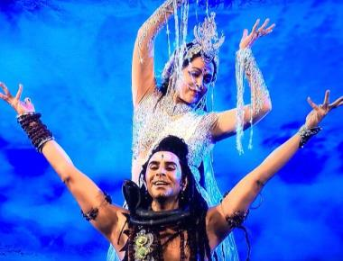 Hema Malini and Sandip Soparrkar in 'Ganga' Musical at Pravasi Bharatiya Divas
