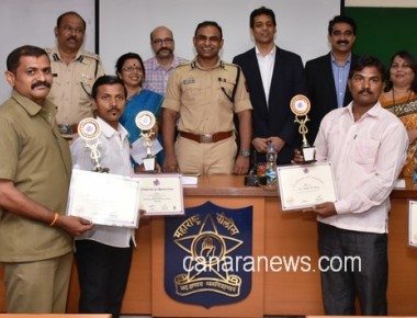 Joint CP, Mumbai Traffic, Mr Milind Barhambe felicitates School Bus Drivers trained by iCare Life