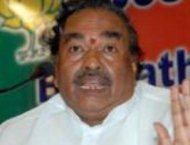 Rayanna brigade:?KSE to hold talks with Yeddyurappa