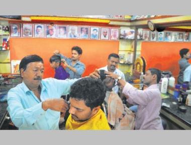 Crowning glory: a Bengaluru barber popularises Kannada literature
