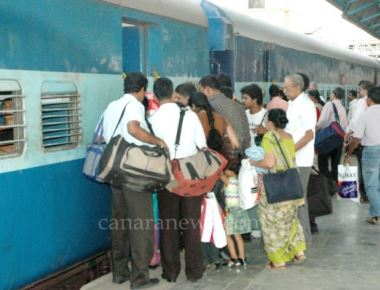 Woman robbed in Matsyagandha Express