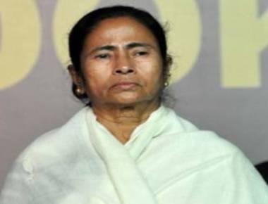 Mamata pays homage to Rajiv Gandhi