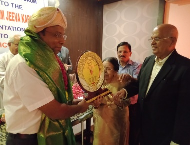 Morris Fetches 'AP Kunju Kunju Arattukulam Jeeva Karunya' Award For Work Among Cancer Patients