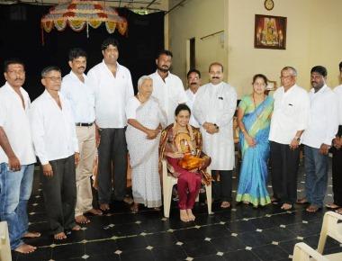 Santhekatte Taximen's Association felicitated Sakshi Mallya of Milagres College