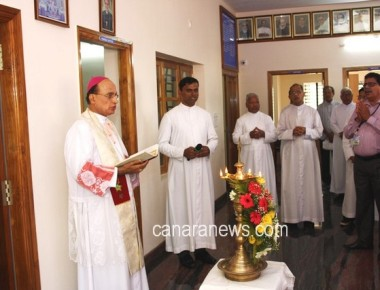 Udupi:  Vinayak Sorake Inaugurates and Bishop Gerald Lobo blesses newly built Presbytery of Pangla Parish