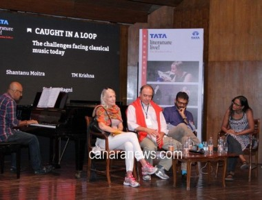 Weekend sessions open on a high note at Tata Literature Live! The Mumbai LitFest