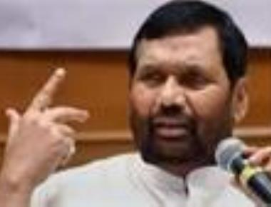 Paswan questions pro-Dalit credentials of opposition parties including Congress