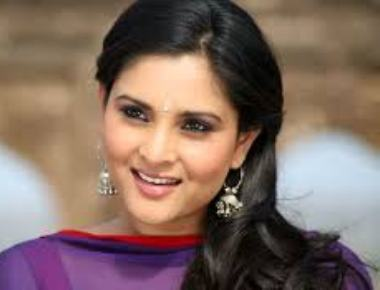 Court asks cops to file case against actress Ramya