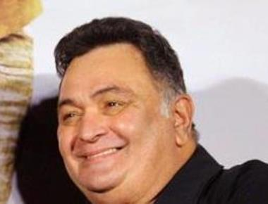 Gajendra Chauhan should voluntarily retire, says Rishi Kapoor