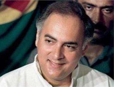 Rajiv backed Chandra Shekhar over Pranab as PM