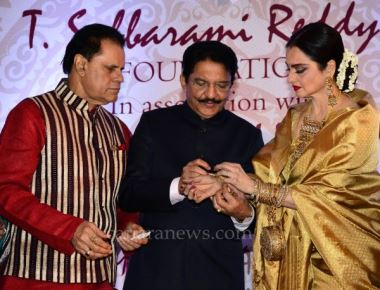 Maharashtra Governor presents Yash Chopra Memorial National Award to actress Rekha