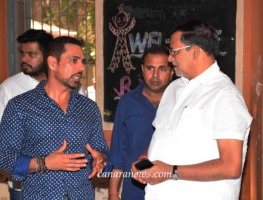 Robert Vadra today celebrated his birthday in advance with B J Home for childrens, Matunga