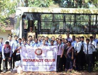 Rotaract Club of Sarosh Institute of Hotel Administration pays a visit to Ashram