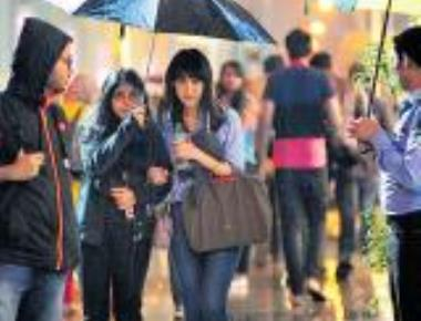 Showers bring down the mercury in Bengaluru