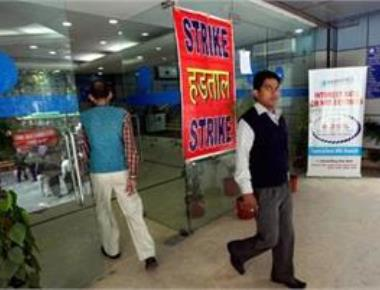 Strike hits normal life; Bengal, Kerala among most affected