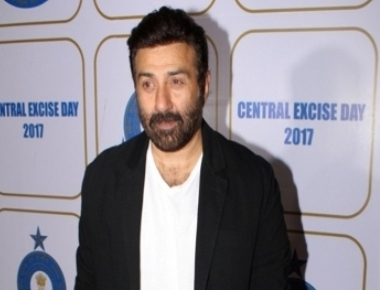Sunny Deol thanks family, friends for blessing son