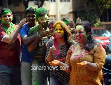 Holi celebration in Mumbai