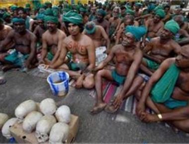 TN farmers temporarily call off Jantar Mantar agitation