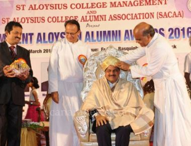 Thumbay Moideen Receives 'Eminent Aloysian Award', Delivers Aloysian Conclave Address