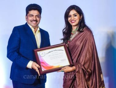 Dr. Shivaram Bhandary was honored with Times Retail Icon Award