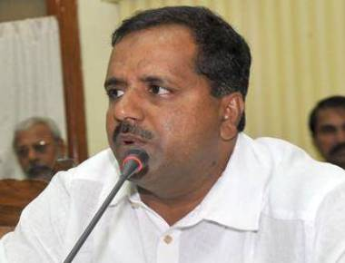 UT Khader alleges people who are opposing Yettinahole project have political motives